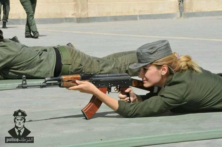 "Chum anh nu canh sat Syria xinh dep ""kho luyen"" o Damascus-Hinh-7"