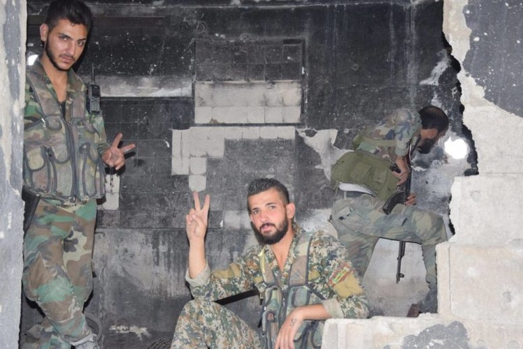 Anh: Dai thang, quan Syria hung huc khi the chien dau o Damascus-Hinh-13