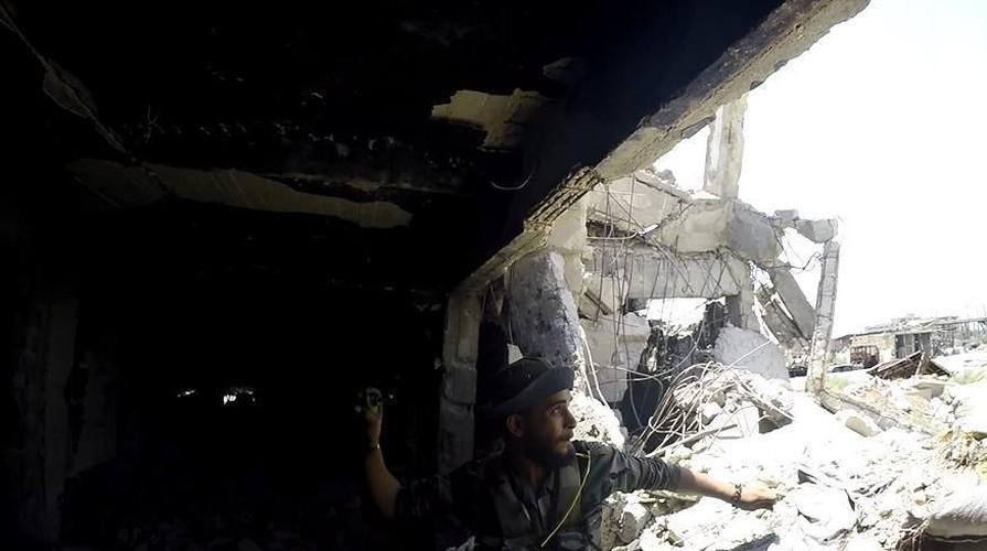 Anh: Dai thang, quan Syria hung huc khi the chien dau o Damascus-Hinh-2