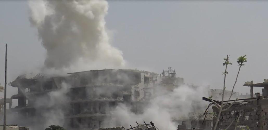 Anh: Dai thang, quan Syria hung huc khi the chien dau o Damascus-Hinh-4