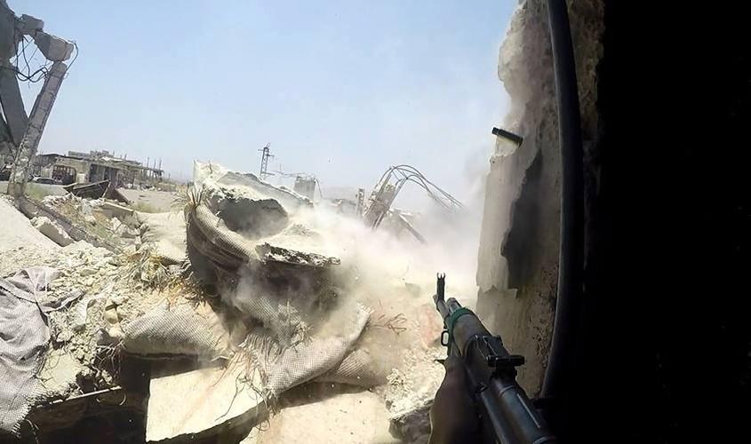 Anh: Dai thang, quan Syria hung huc khi the chien dau o Damascus-Hinh-8