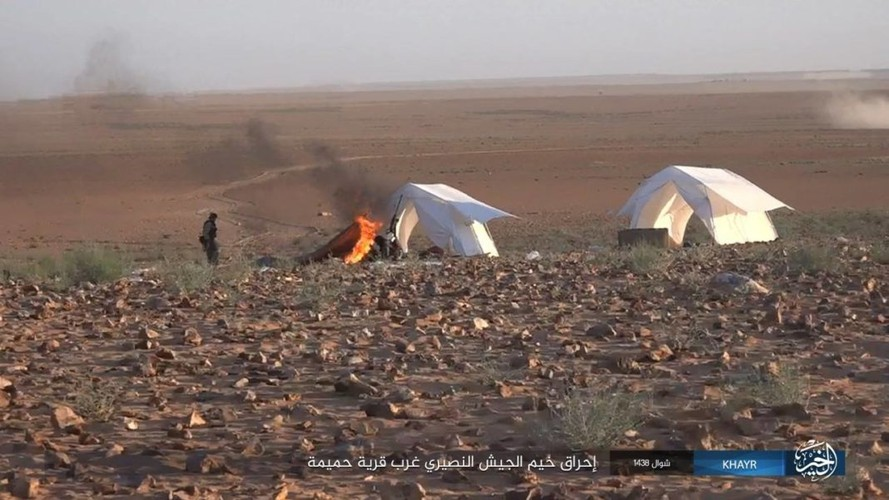 Chum anh IS phan cong quan doi Syria gan Deir ez-Zor-Hinh-10