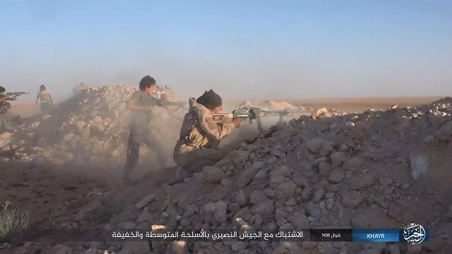 Chum anh IS phan cong quan doi Syria gan Deir ez-Zor-Hinh-2