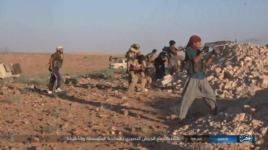 Chum anh IS phan cong quan doi Syria gan Deir ez-Zor-Hinh-6