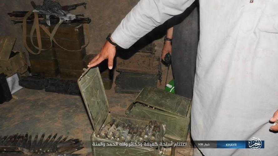 Chum anh IS phan cong quan doi Syria gan Deir ez-Zor-Hinh-7