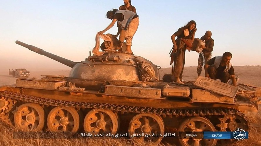 Chum anh IS phan cong quan doi Syria gan Deir ez-Zor-Hinh-8