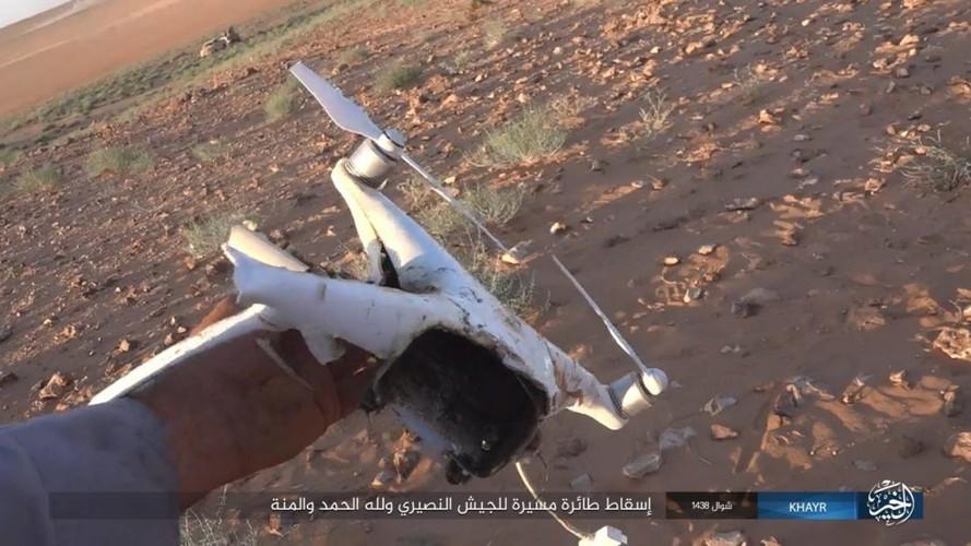 Chum anh IS phan cong quan doi Syria gan Deir ez-Zor-Hinh-9