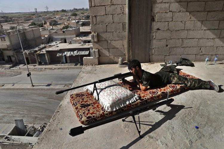 Khoc liet cuoc chien o thanh pho Raqqa-Hinh-11