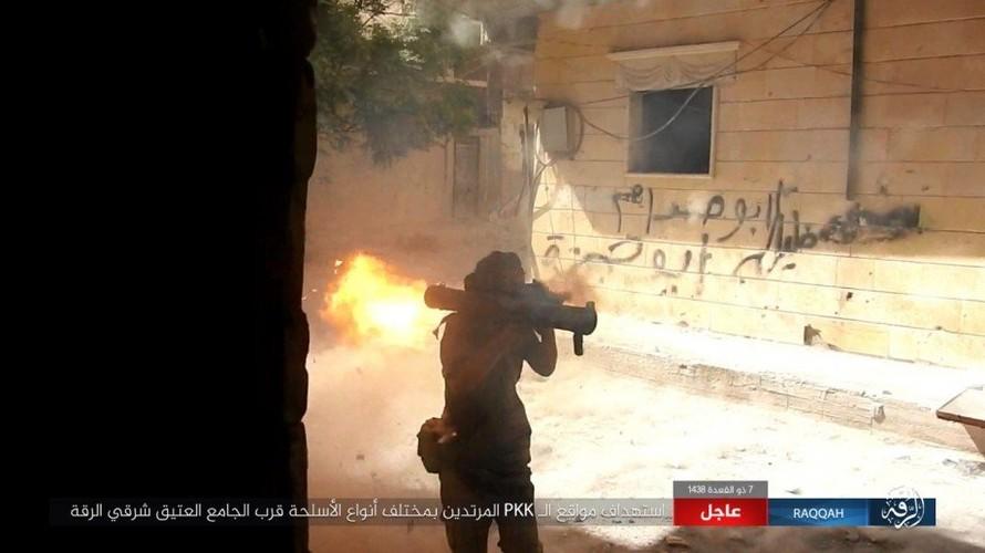 Khoc liet cuoc chien o thanh pho Raqqa-Hinh-2