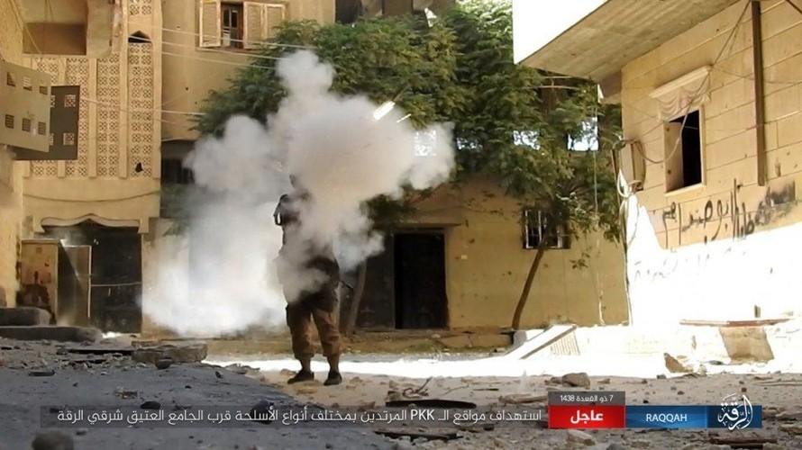 Khoc liet cuoc chien o thanh pho Raqqa-Hinh-4
