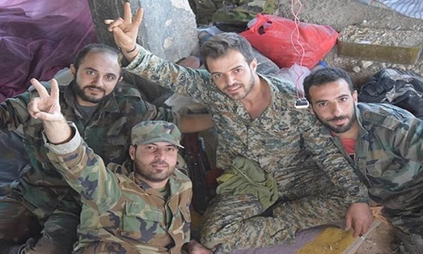 Anh nong hoi quan doi Syria dai thang o Dong Damascus