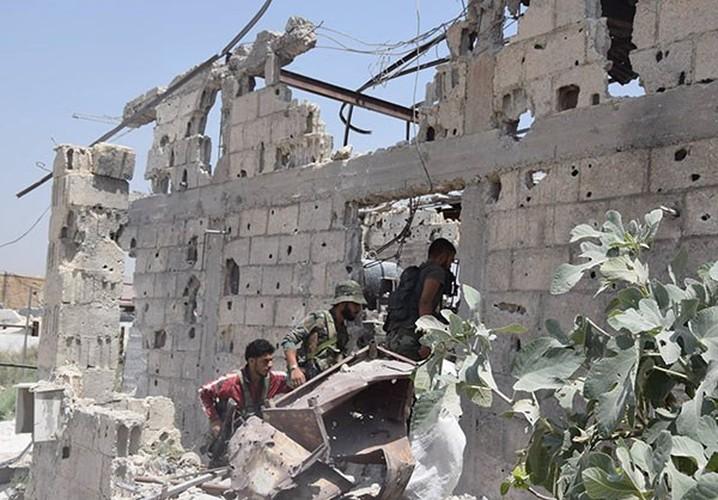 Anh: Quan doi Syria thua thang xoc toi o Dong Damascus-Hinh-11