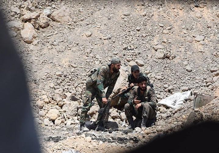 Anh: Quan doi Syria thua thang xoc toi o Dong Damascus-Hinh-5