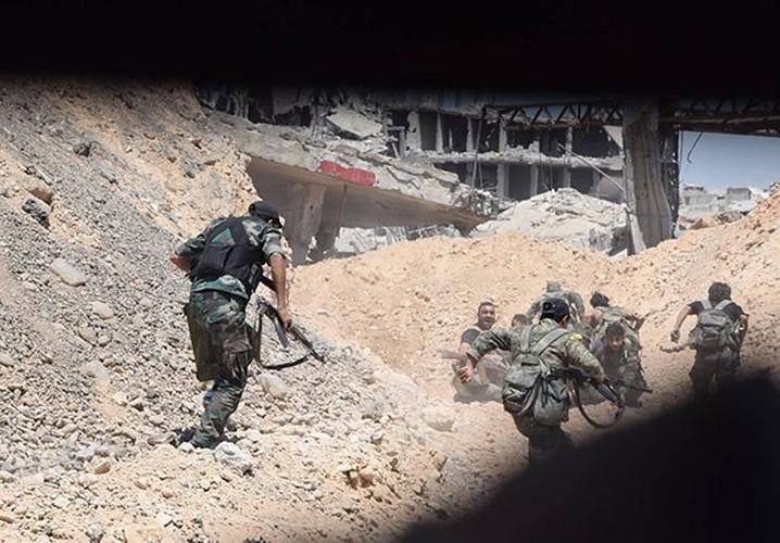 Anh: Quan doi Syria thua thang xoc toi o Dong Damascus-Hinh-6