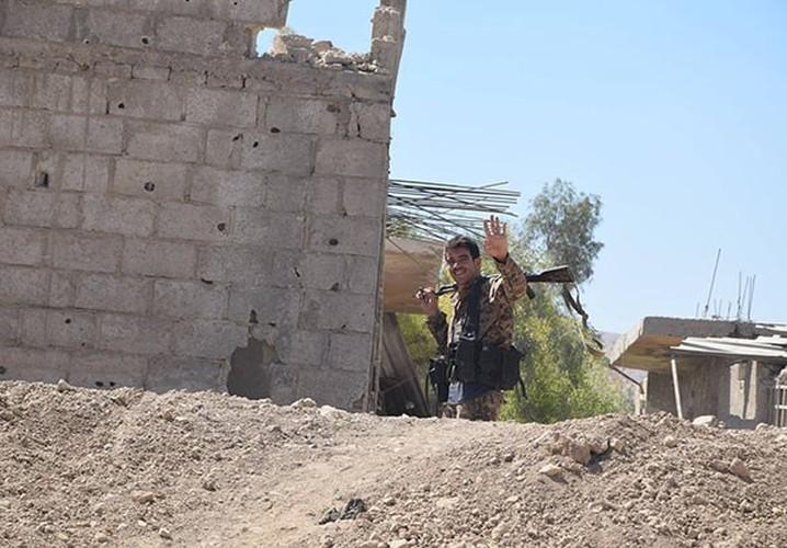 Anh: Quan doi Syria thua thang xoc toi o Dong Damascus-Hinh-8
