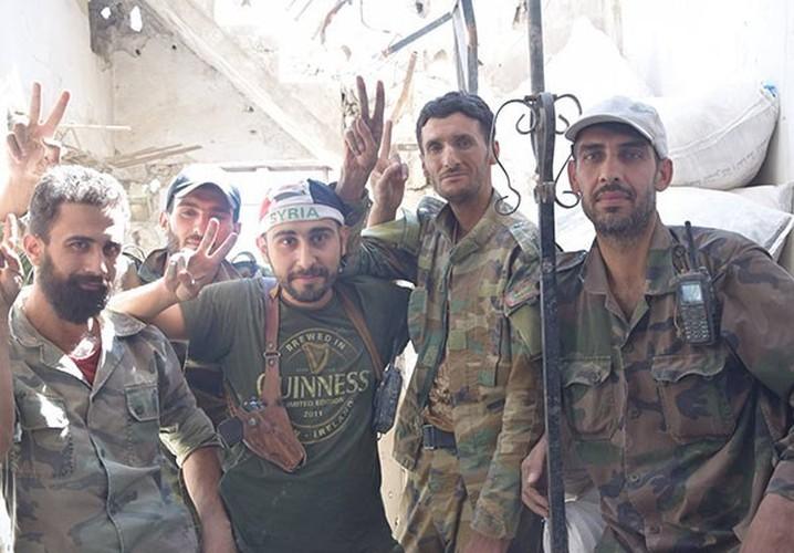 Anh: Quan doi Syria thua thang xoc toi o Dong Damascus-Hinh-9