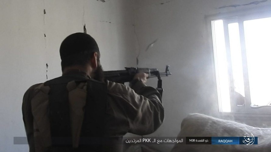 Anh: Phien quan IS khang cu ac liet nguoi Kurd o Raqqa-Hinh-3