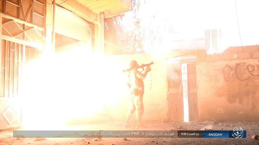 Anh: Phien quan IS khang cu ac liet nguoi Kurd o Raqqa-Hinh-4