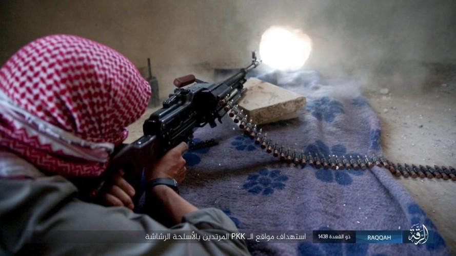 Anh: Phien quan IS khang cu ac liet nguoi Kurd o Raqqa
