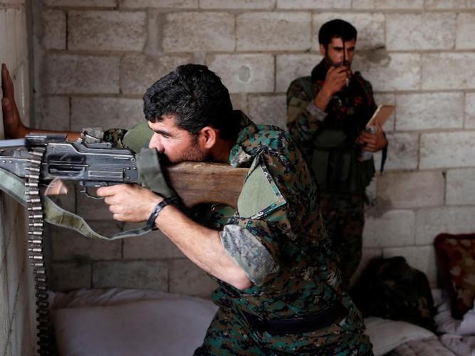 "Anh: SDF doc suc danh IS tai ""thu phu"" Raqqa-Hinh-11"