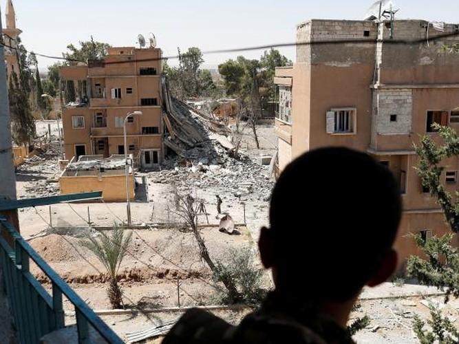 "Anh: SDF doc suc danh IS tai ""thu phu"" Raqqa-Hinh-12"