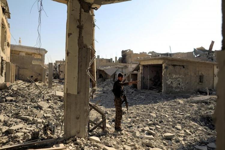 "Anh: SDF doc suc danh IS tai ""thu phu"" Raqqa-Hinh-2"