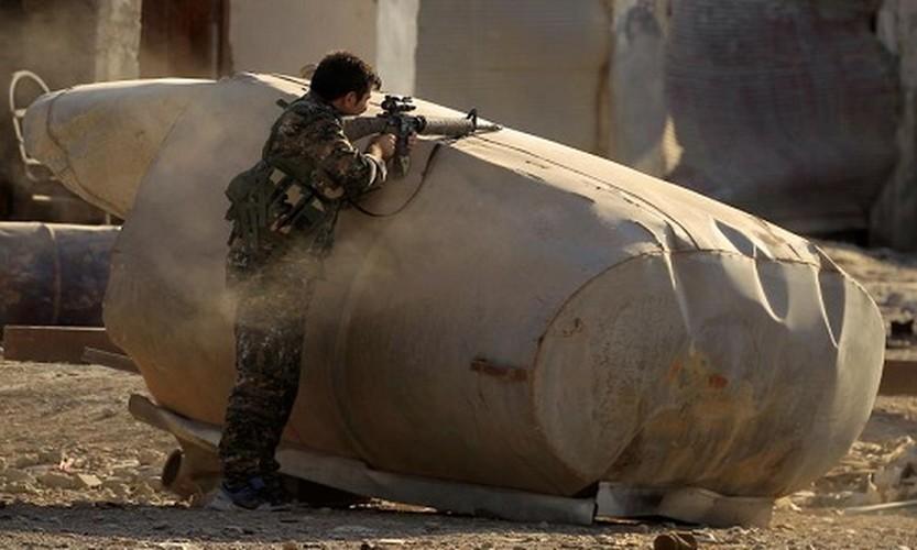 "Anh: SDF doc suc danh IS tai ""thu phu"" Raqqa-Hinh-4"