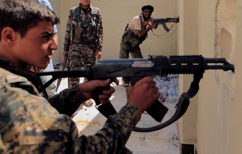"Anh: SDF doc suc danh IS tai ""thu phu"" Raqqa-Hinh-5"