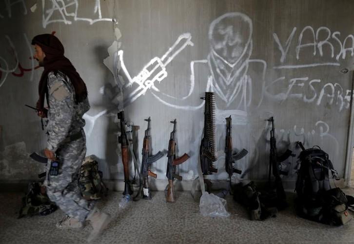 "Anh: SDF doc suc danh IS tai ""thu phu"" Raqqa-Hinh-6"
