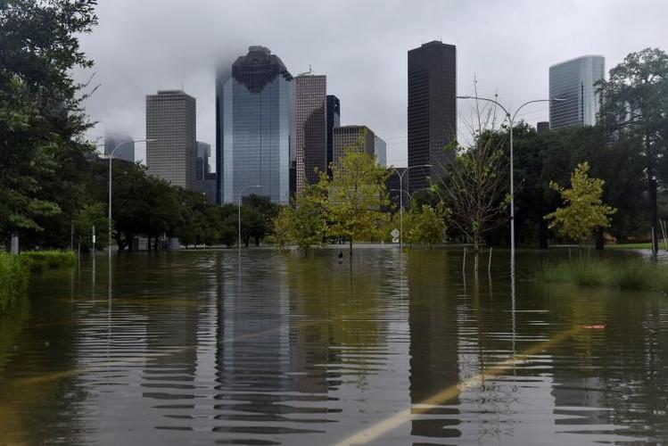 Canh ngap lut kinh hoang o Texas vi sieu bao Harvey-Hinh-12