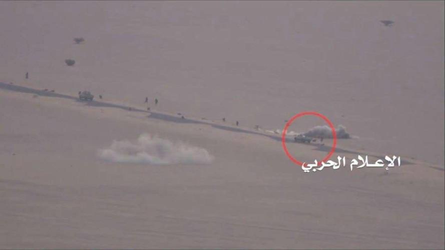 Anh: Quan Houthi diet nhieu xe va binh si A-rap Xe-ut-Hinh-5