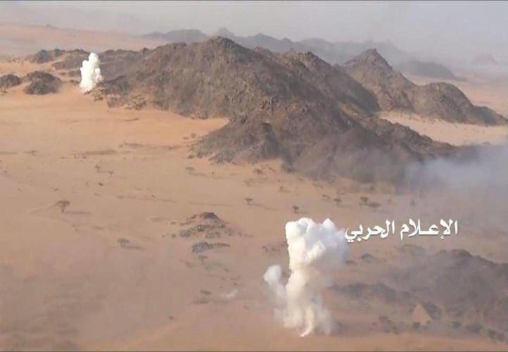 Anh: Quan Houthi diet nhieu xe va binh si A-rap Xe-ut-Hinh-6