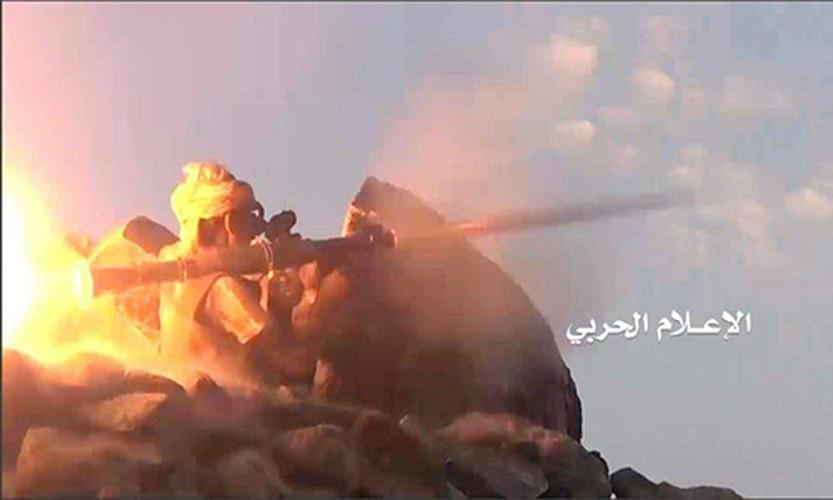 Anh: Quan Houthi diet nhieu xe va binh si A-rap Xe-ut