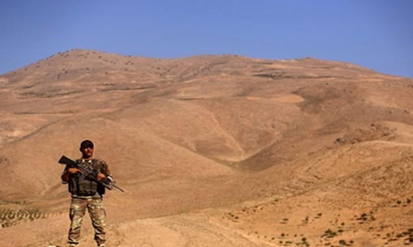 Hinh anh bien gioi Syria-Lebanon sach bong phien quan IS-Hinh-9