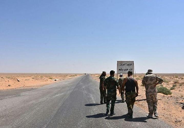 Anh: Quan doi Syria thua thang xoc toi o Deir Ezzor-Hinh-2