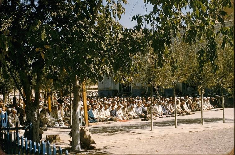 Binh di cuoc song thuong nhat o Uzbekistan nam 1956-Hinh-12