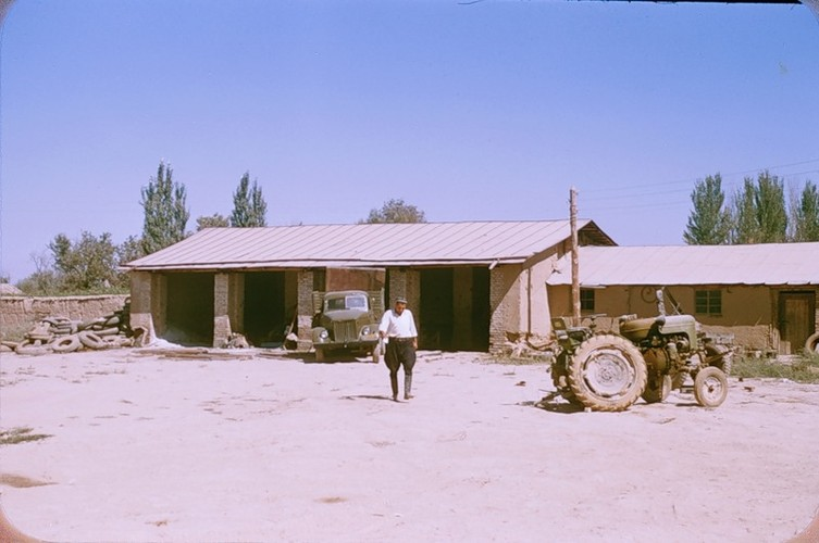 Binh di cuoc song thuong nhat o Uzbekistan nam 1956-Hinh-3
