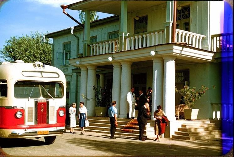 Binh di cuoc song thuong nhat o Uzbekistan nam 1956-Hinh-4