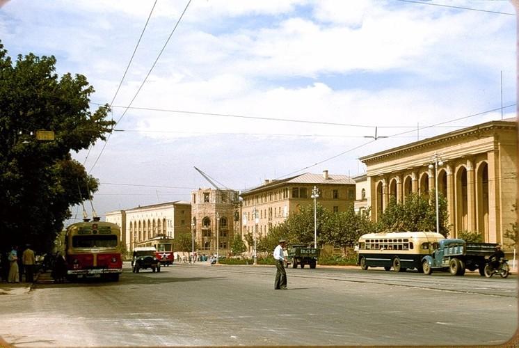 Binh di cuoc song thuong nhat o Uzbekistan nam 1956-Hinh-5