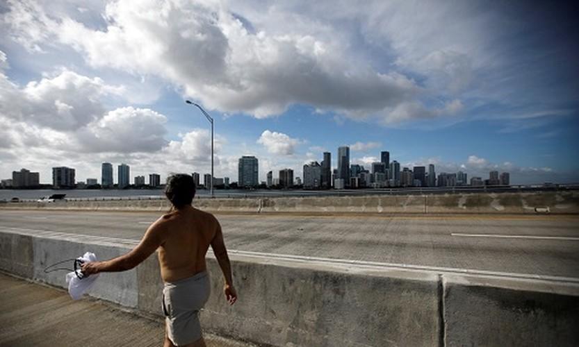 Dan California cuong cuong tranh bao Irma-Hinh-2
