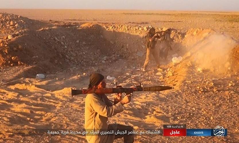 Anh: Phien quan IS chuyen  sang danh du kich o tinh Homs-Hinh-4