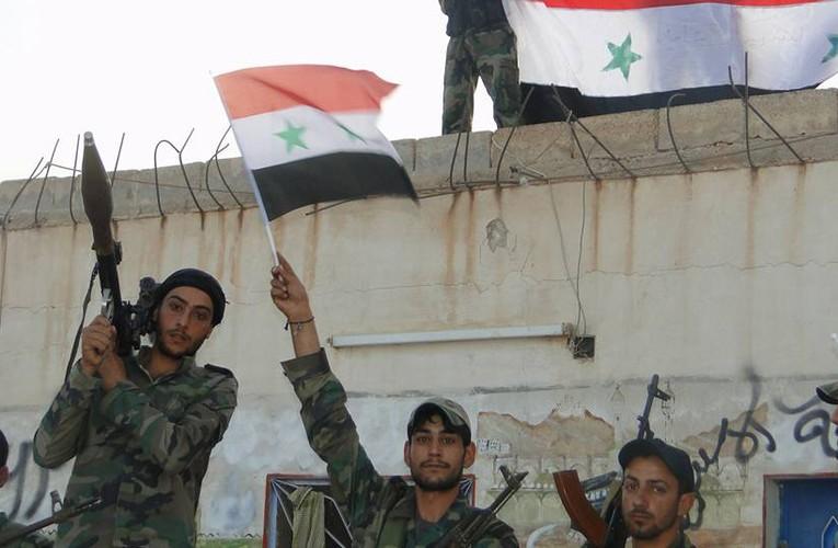 Anh: Quan Syria giai phong nhieu khu vuc o mien trung Syria-Hinh-5