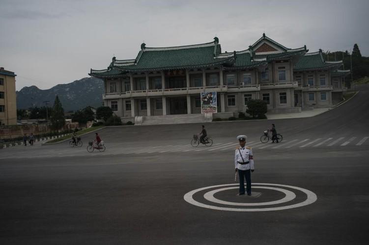 Binh di cuoc song o Trieu Tien qua anh National Geographic