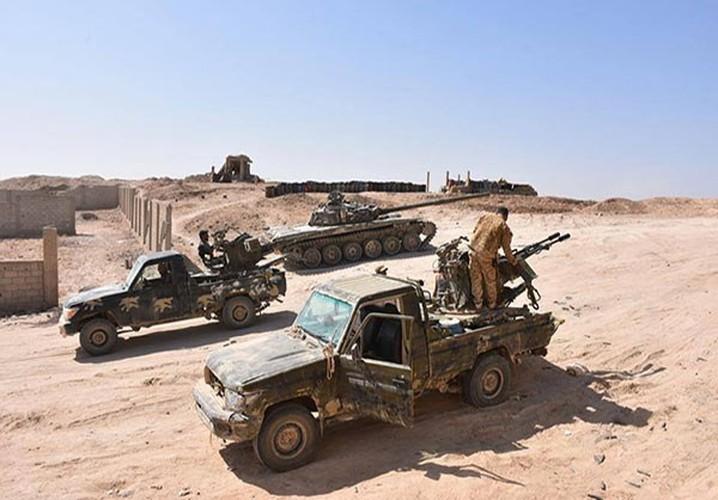 Anh: Quan doi Syria tan cong vu bao o Deir Ezzor-Hinh-11