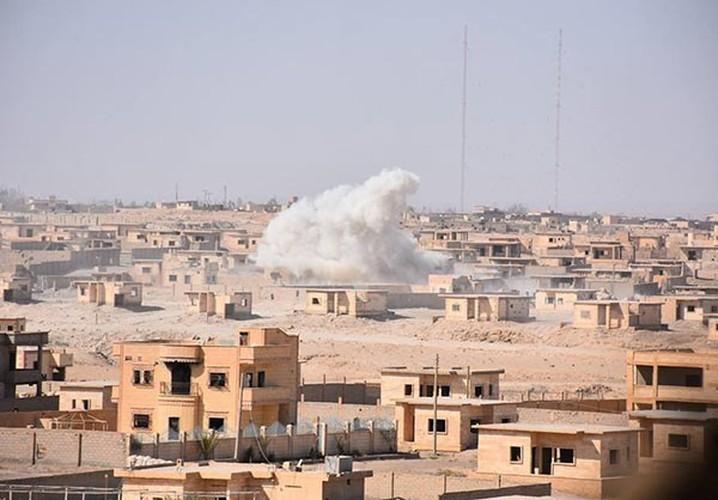 Anh: Quan doi Syria tan cong vu bao o Deir Ezzor-Hinh-12