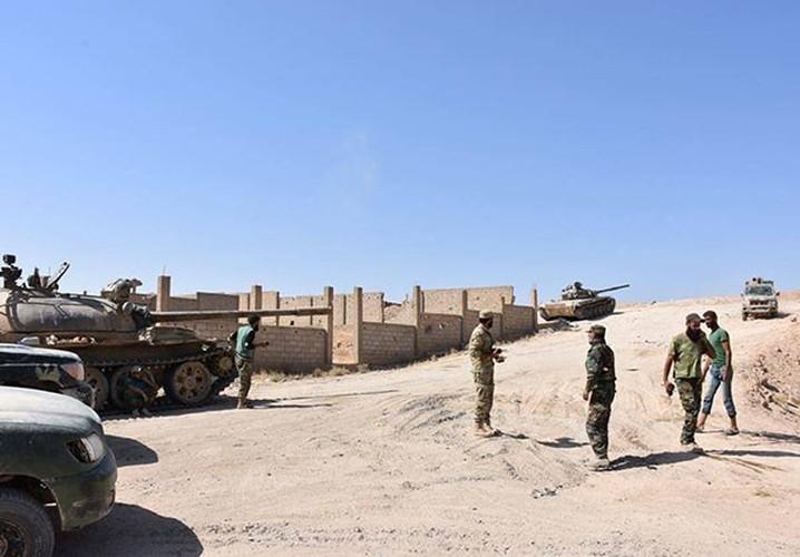 Anh: Quan doi Syria tan cong vu bao o Deir Ezzor-Hinh-3