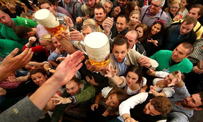 Munich tung bung trong le hoi bia Oktoberfest-Hinh-2