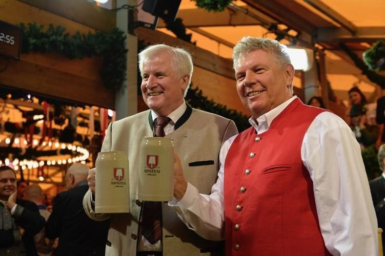 Munich tung bung trong le hoi bia Oktoberfest-Hinh-3
