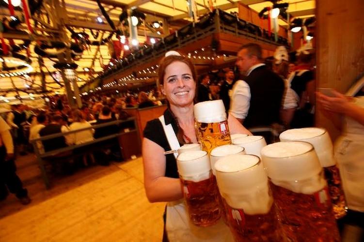 Munich tung bung trong le hoi bia Oktoberfest-Hinh-5