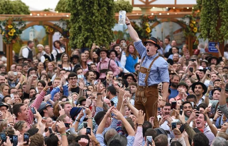 Munich tung bung trong le hoi bia Oktoberfest-Hinh-9